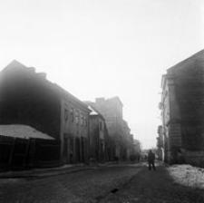 [Widok ze skrzyżowania ulic Kopernika i Okrzei (dawna ul. Tanenbauma)] [Fotografia]