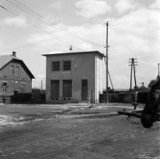 [Stacja transformatorowa przy ul. Sienkiewicza (dawny zbieg ulic Sienkiewicza i Ujejskiego)] [Fotografia]