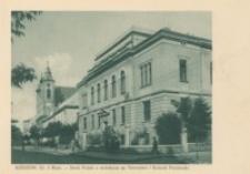 Rzeszów. Ul. 3 Maja – Bank Polski z widokiem na Starostwo i Kościół Popijarski [Pocztówka]